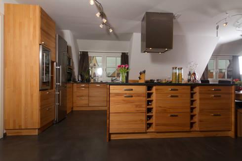 k che wildbuche mit granitarbeitsplatte por der m beldoktor peter zimmermann homify. Black Bedroom Furniture Sets. Home Design Ideas