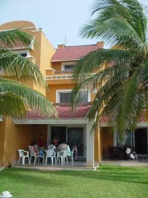 Villa en renta Semana Santa: Casas de estilo clásico por DESARROLLOS INMOBILIARIOS BARCAM S DE RL DE CV