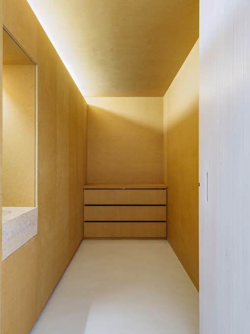 Sacristia: Quartos minimalistas por Site Specific