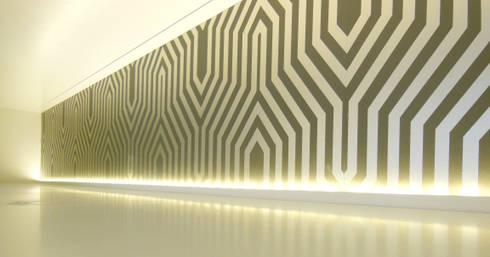 Apartamento : Salas multimédia modernas por Poliune