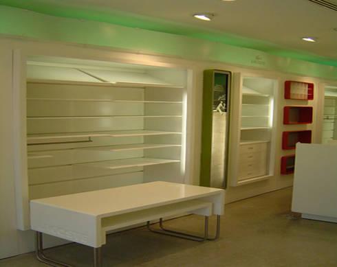 Lacoste : Oficinas y tiendas de estilo  por BCA taller de diseño