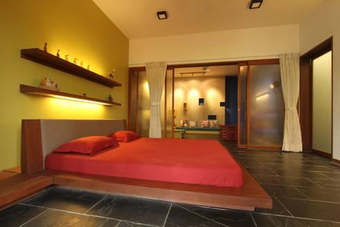 guest bed room: classic Bedroom by U design studio