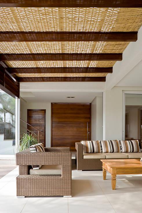 Terrazas de estilo  por DG Arquitetura + Design