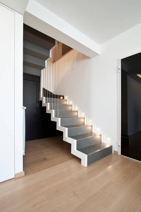 الممر والمدخل تنفيذ Laboratorio di Progettazione Claudio Criscione Design