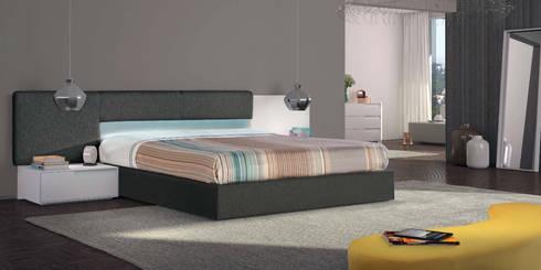 Mobiliário de quarto Bedroom furniture www.intense-mobiliario.com  Chief http://intense-mobiliario.com/product.php?id_product=3238: Quarto  por Intense mobiliário e interiores;