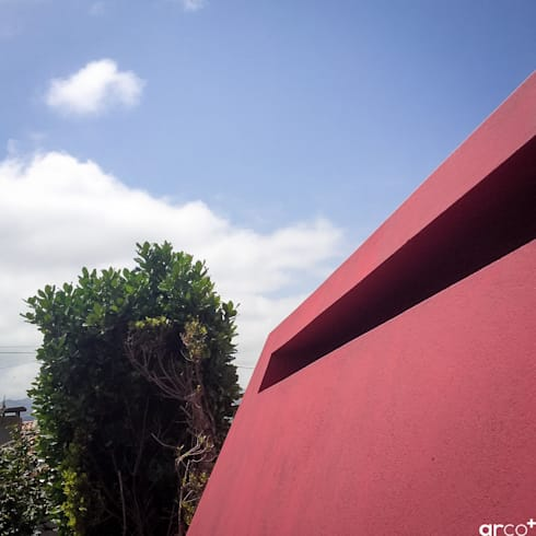 Red Chimney: Jardins minimalistas por ARCO mais - arquitectura e construção