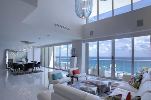 Pent-house LAHIA: Salas de estilo moderno por Art.chitecture, Taller de Arquitectura e Interiorismo 📍 Cancún, México.