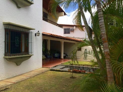 Casa en Santa Paula: Jardines de estilo  por TP TOP Caracas
