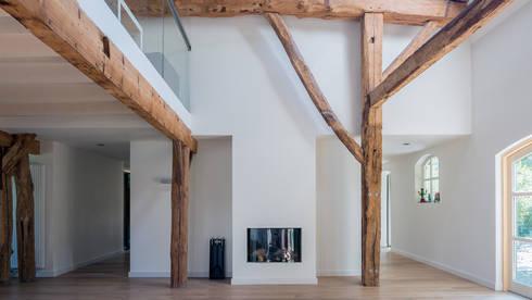 Herindeling woonboerderij met behoud van oude spanten, luxe ...
