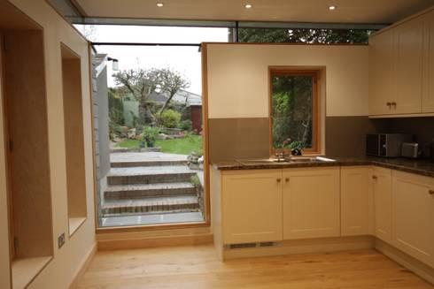Whiterock: modern Kitchen by Innes Architects