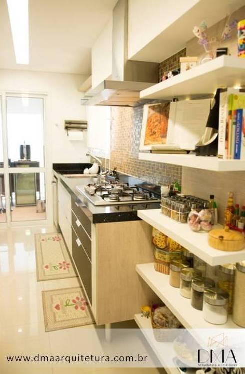 Cozinha: Cozinhas  por DMA Arquitetura e Interiores