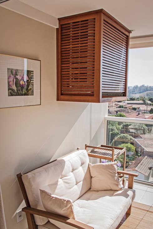 Apartamento Mnl: Terraços  por canatelli arquitetura e design