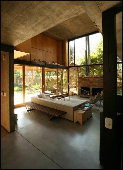Casa OLIVOS: Comedores de estilo rural por Arquitecto Alejandro Sticotti