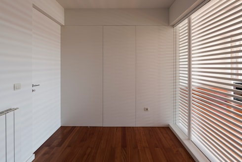 interior do quarto novo: Quartos de criança modernos por ABPROJECTOS