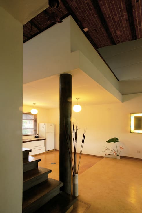 Duplex Apartment, Creativity, Auroville: eclectic Kitchen by C&M Architects