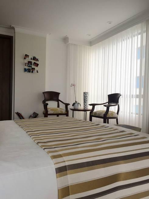 Habitación Principal: Habitaciones de estilo ecléctico por ea interiorismo