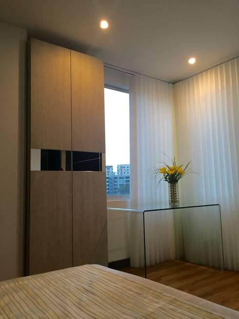 Dormitorios de estilo  por ea interiorismo
