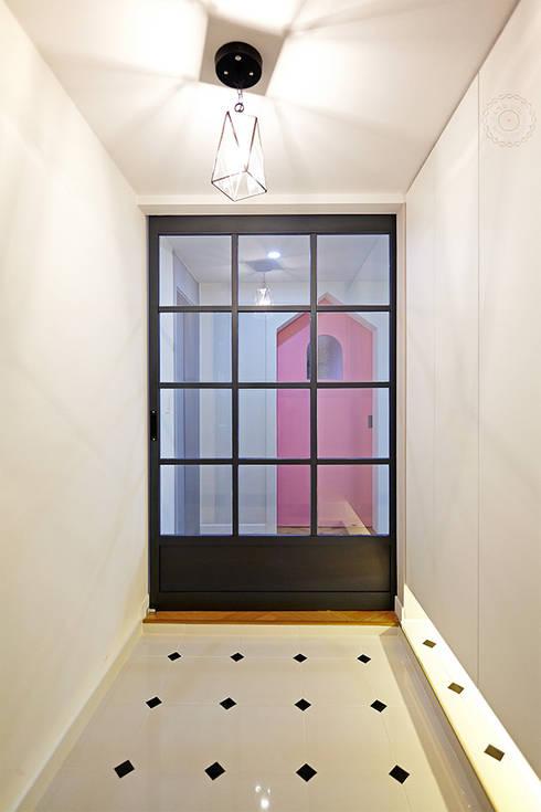 ENTRANCE: 제이앤예림design의  복도 & 현관