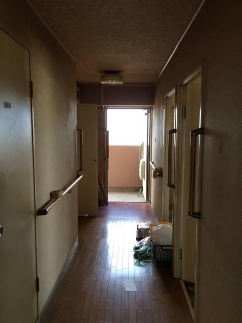 玄関・廊下 | 工事前: FRCHIS,WORKSが手掛けた廊下 & 玄関です。