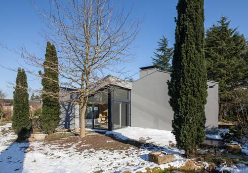 Ansicht Terrasse: moderne Häuser von ZHAC / Zweering Helmus Architektur+Consulting