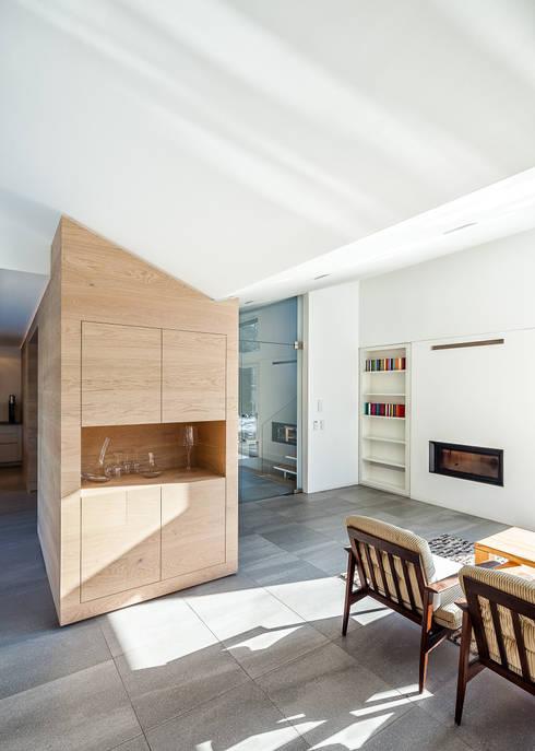 Wohnbereich: moderne Wohnzimmer von ZHAC / Zweering Helmus Architektur+Consulting