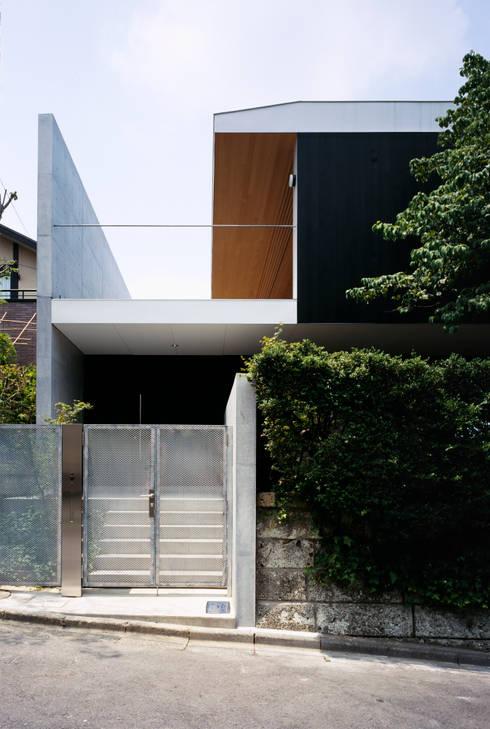 栗原隆建築設計事務所의  주택