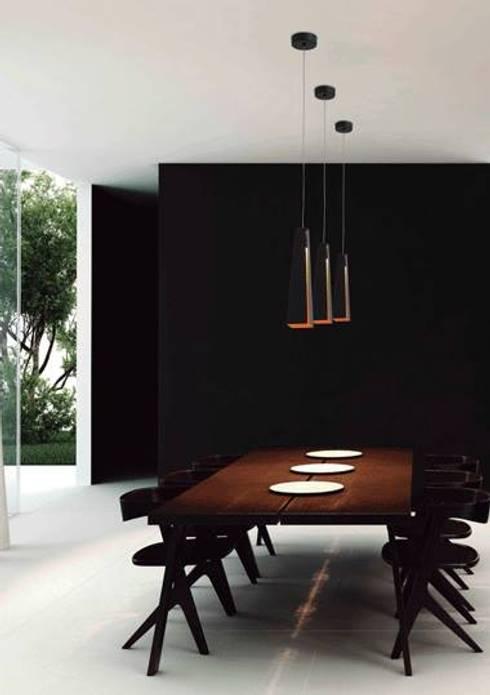 Deled: Salas de jantar modernas por Espaço luz Lda.