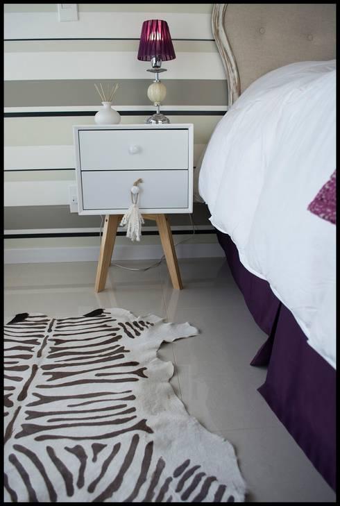 Ecléctico por naturaleza... : Dormitorios de estilo  por Diseñadora Lucia Casanova
