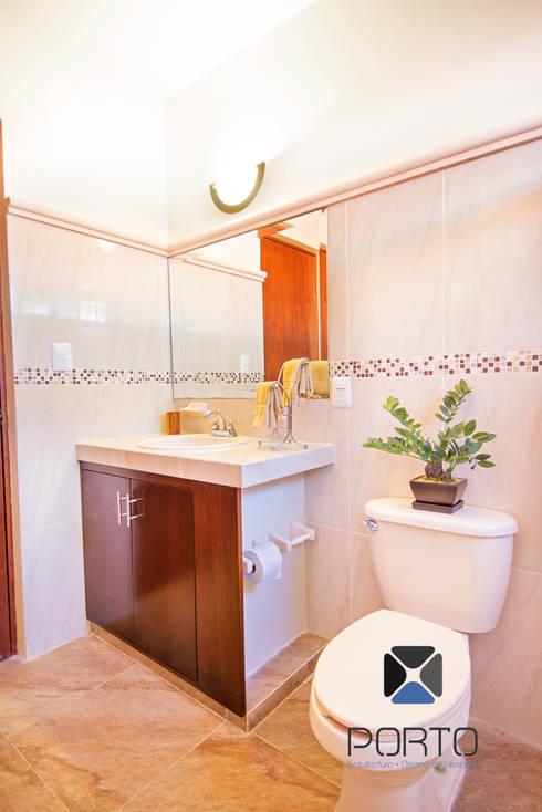 """Proyecto """"Quinta Hunucmá"""": Baños de estilo  por PORTO Arquitectura + Diseño de Interiores"""
