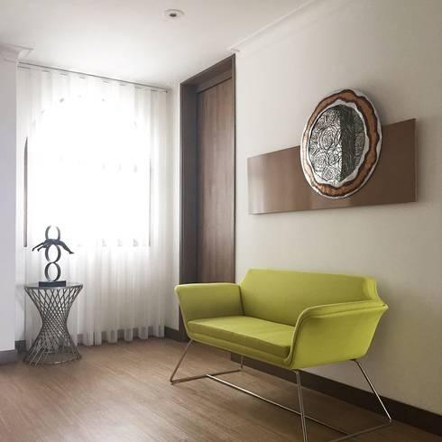 Hall : Salas de estilo minimalista por ea interiorismo
