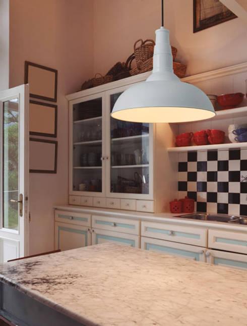 Espaço luz: Cozinhas modernas por Espaço luz Lda.