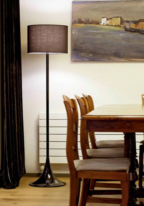 Espaço luz: Salas de jantar modernas por Espaço luz Lda.