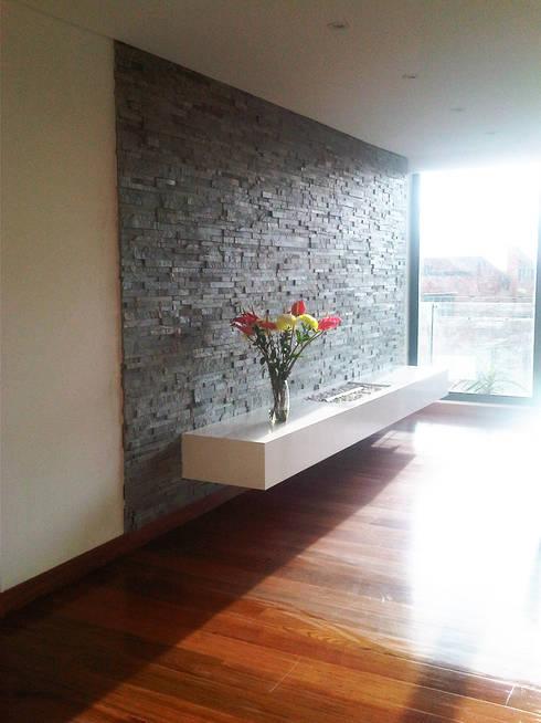 Proyecto Apartamento Altos de La Cabrera: Salas de estilo  por ARQFACTORY FIRMA DE ARQUITECTURA
