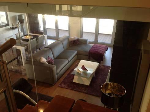 Mobarq – Salas de estar: Salas de estar ecléticas por mobarq moveis lda