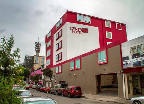 Hotel Centra 2: Casas de estilo moderno por DIN Interiorismo