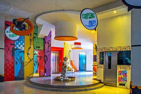Hotel Oriente OH!: Salas de estilo moderno por DIN Interiorismo