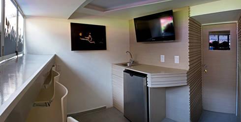 Palco Azteca: Salas multimedia de estilo moderno por DIN Interiorismo