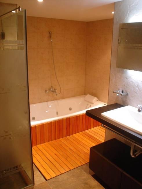 Baños de estilo  por ArqmdP - Arquitectura + Diseño