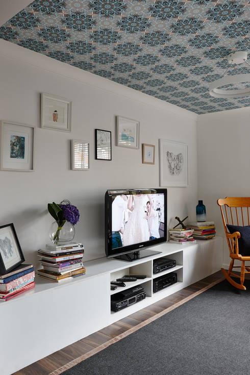 Salas de estar modernas por Bhavin Taylor Design