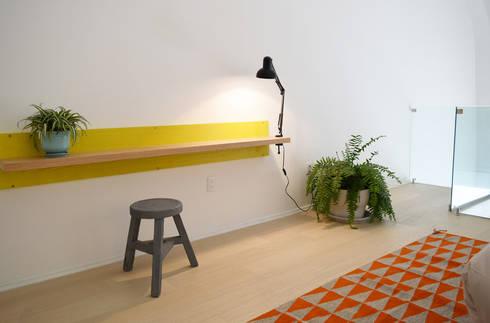 Donceles 17: Estudios y oficinas de estilo moderno por Germán Velasco Arquitectos