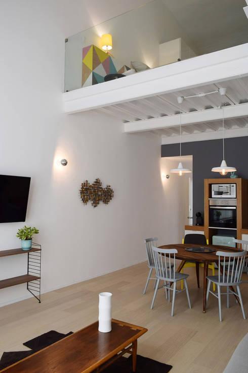 Donceles 17: Salas de estilo moderno por Germán Velasco Arquitectos