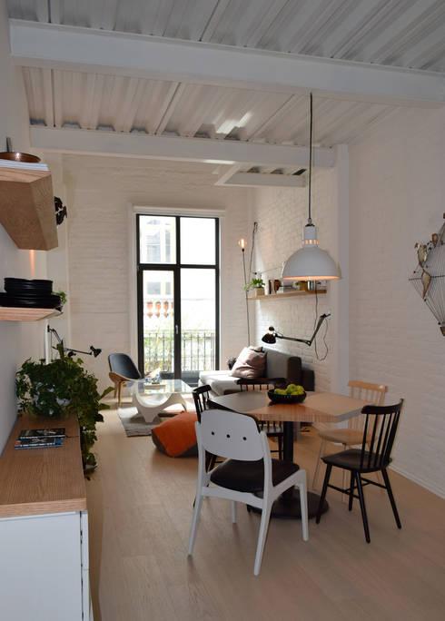 Donceles 18: Salas de estilo moderno por Germán Velasco Arquitectos