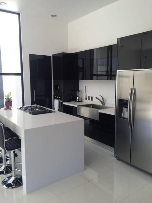BOSQUES DE BUGAMBILIAS: Cocinas de estilo  por Arki3d