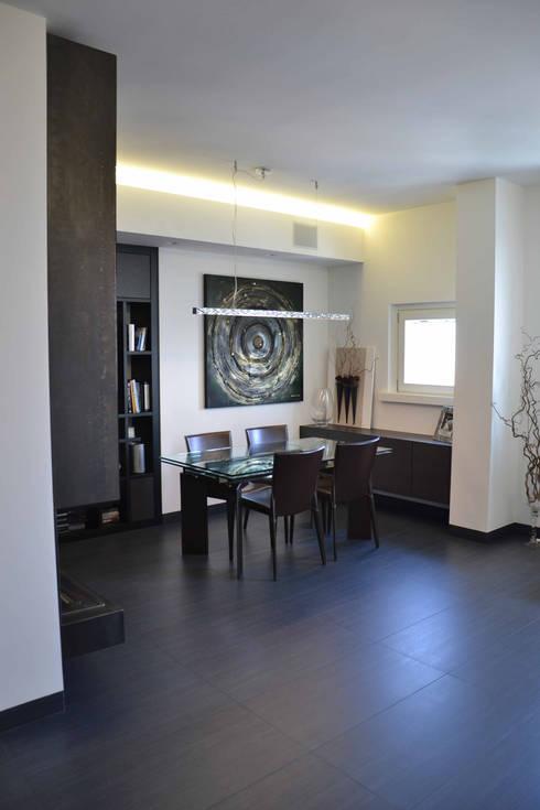 Appartamento Milano Naviglio: Soggiorno in stile in stile Moderno di DCA Studio - Davide Carelli Architetto