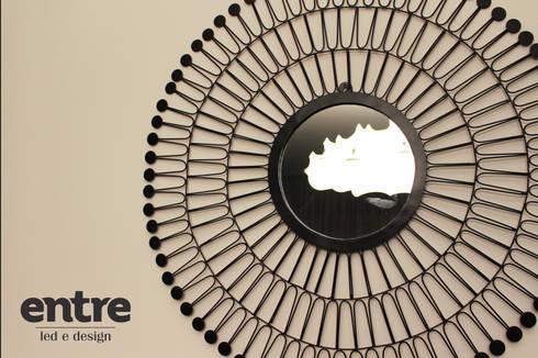 Because we love details! <3: Sala de jantar  por Entre Led e Design