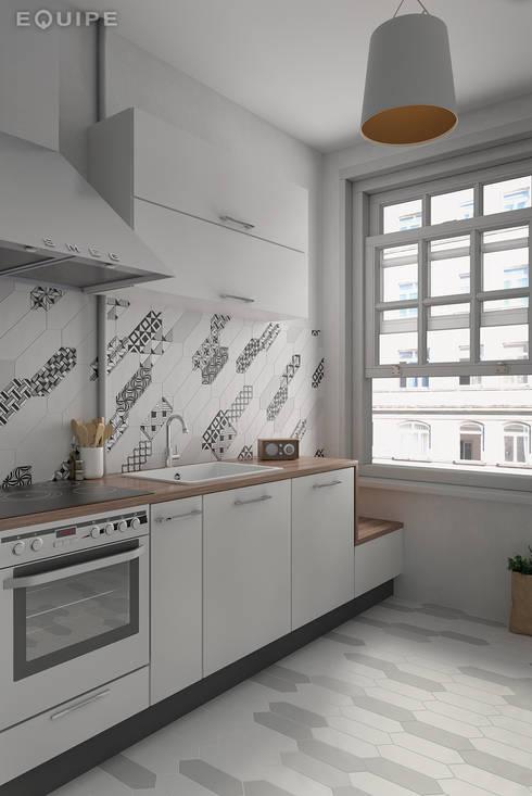 Kite White, Light Grey, Dark Grey / deco Patchwork B&W 10x30: Cocinas de estilo  de Equipe Ceramicas
