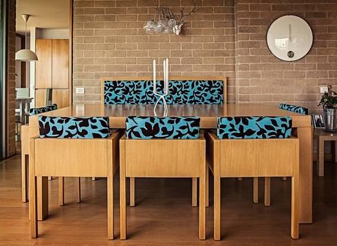 Mesa de comedor: Comedor de estilo  por Cristina Cortés Diseño y Decoración