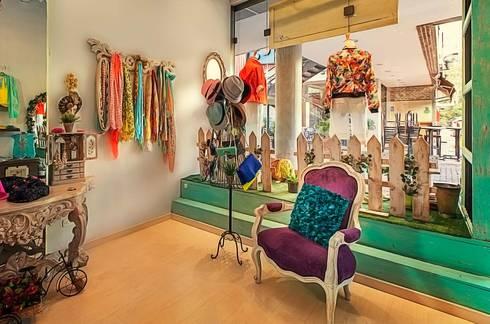 Elementos vintage: Espacios comerciales de estilo  por Cristina Cortés Diseño y Decoración