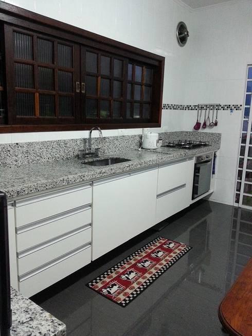 Cocinas de estilo moderno por Bruna Costa - Design de Interiores