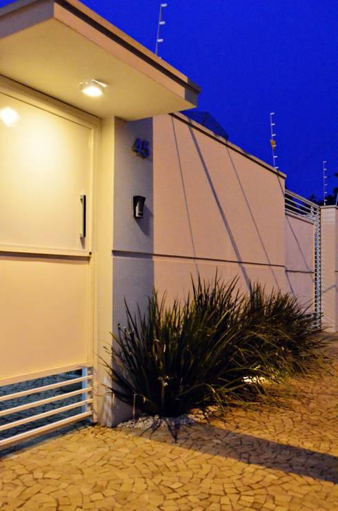 Casas modernas por canatelli arquitetura e design